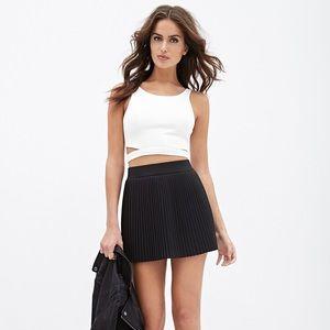 Forever 21 Black Mini Accordion Skirt